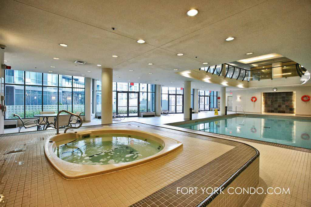 231 fort york blvd hot tub and swimming pool