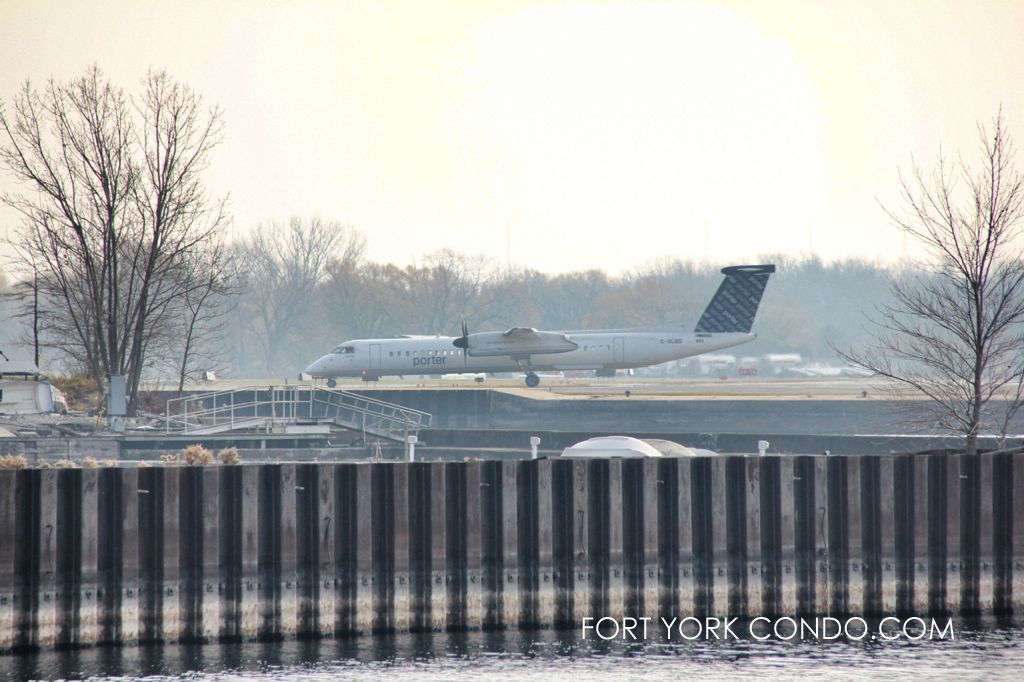 Porter airline at the Island Airport