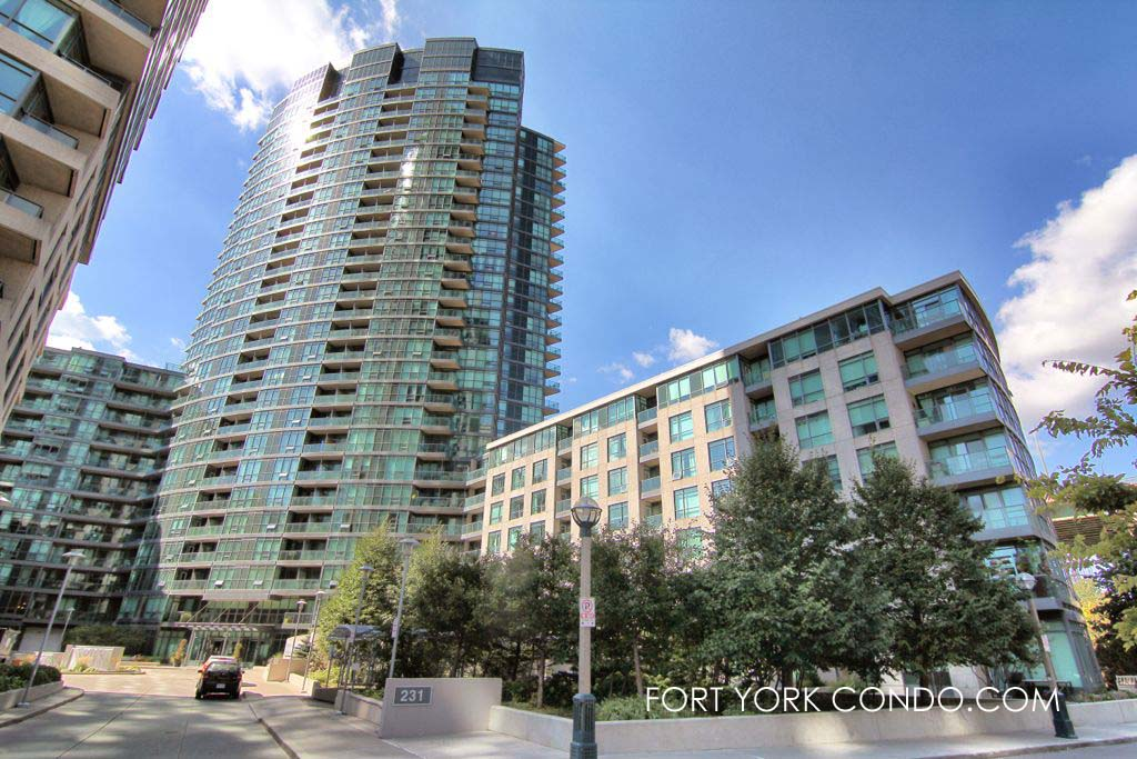 213 fort york blvd