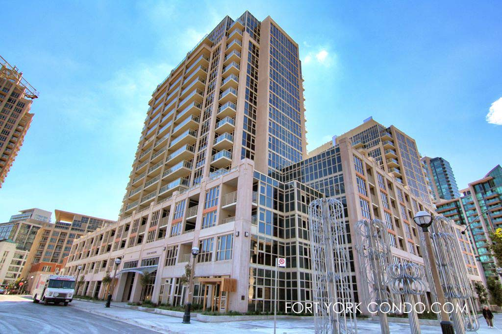 38 Grand Magazine St York Harbour Club condo
